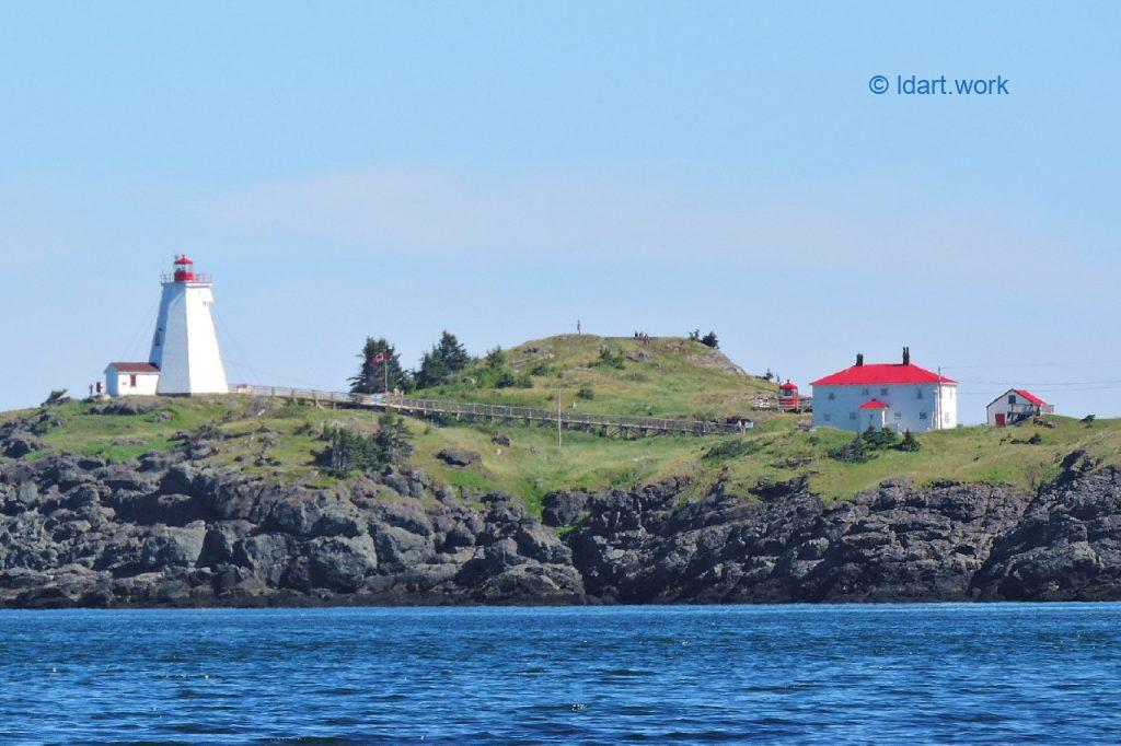 photo of the Swallowtail lighthouse, Grand Manan