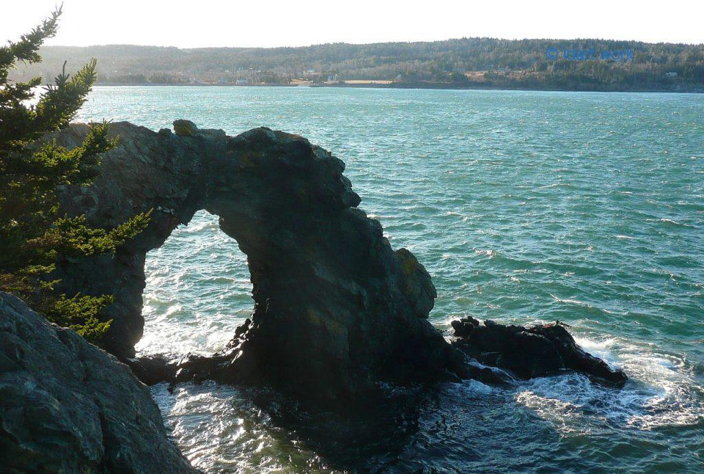 Hole in the Wall photo, Grand Manan